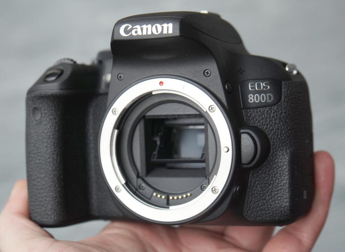 1000-Canon-EOS-800D-2_1487078250